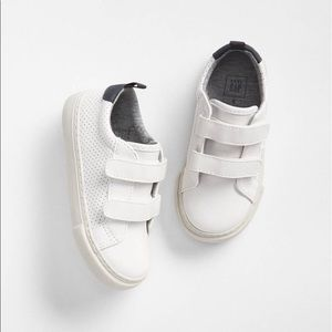 GAP Off White Toddler Performance Sneakers